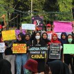 Hari Perempuan Internasional : Bakal Pembebasan Kelas, Menolak Tunduk Demi Kesetaraan